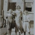 Käthe und ihre Kinder Helen und Charley